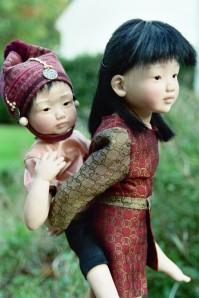 petite fille népalaise et son frère création 2003